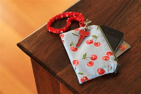 tutorial wallet iphone zippered iphone wallet tutorial things for boys