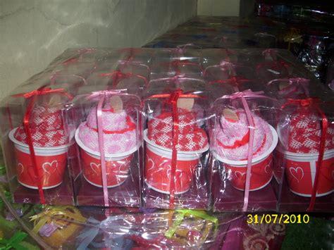 Handuk Kecil Untuk Souvenir kedai souvenir souvenir pernikahan jakarta souvenir the knownledge