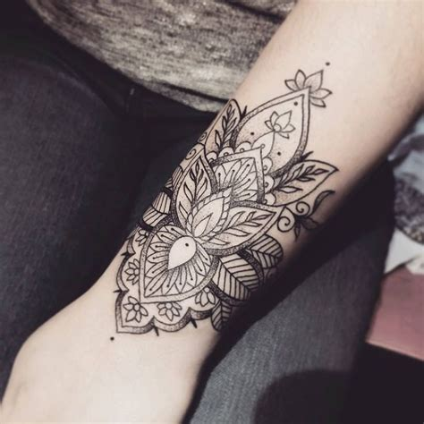 30 wrist tattoos ideas for men and women to try