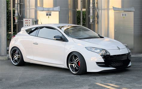 renault megane sport 2011 renault megane rs with corniche vegas wheels picture 40247