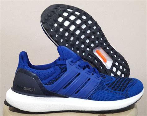 Sepatu Adidas Ultra Boost White Black Premium Quality rc90 kaskus sepatu running replika premium original