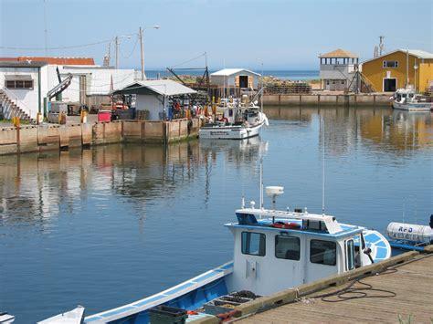 fishing boat accident beach point pei file prince edward island fish jpg wikimedia commons