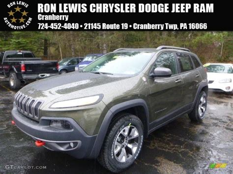 green jeep 2015 2015 eco green pearl jeep trailhawk 4x4