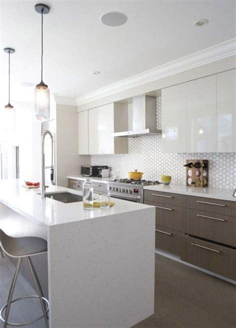 mod鑞es de cuisines 駲uip馥s 1000 id 233 es 224 propos de poign 233 es d armoire de cuisine sur