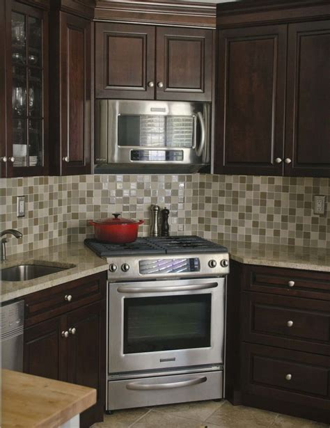 Kitchen Stove Designs Best 25 Corner Stove Ideas On Cherry Kitchen Kitchens With Cherry Cabinets And