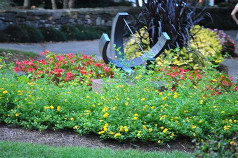 small flower beds small flower bed bicentennial garden pinterest