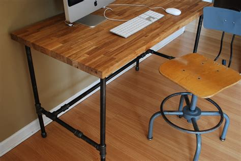 Industrial Modern Steel Pipe And Oak Desk Modern Metal Desk