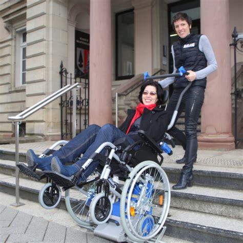 fauteuil roulant pour escalier 4591 monte escalier manuel pour fauteuil roulant solah alsace