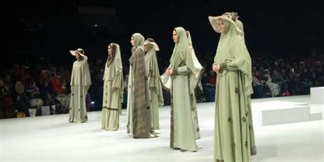 Gamis Darabirra Darabirra Hadirkan Borobudur Dalam Busana Syari Elegan