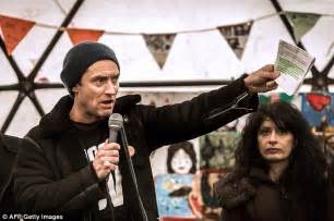 Jude Letter Cameron Jude Leads To The Calais Jungle In Caign To Bring Child Refugees To The Uk