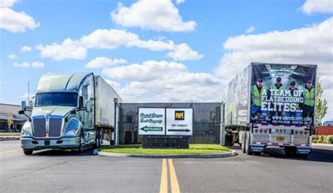 truck redmond oregon pap 233 kenworth helps keep central oregon truck co rolling
