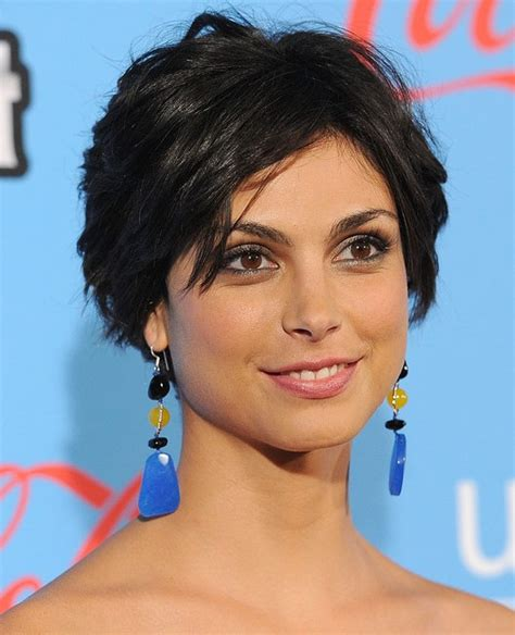 hairstyles for razor cut hair morena baccarin cute layered razor cut hairstyles
