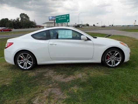 Hyundai Genesis 2 0t Specs by 2011 Hyundai Genesis Coupe 2 0t R Spec Data Info And