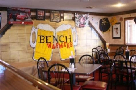 bench warmers sports grill bench warmers merchendise picture of benchwarmers sports bar sandusky tripadvisor