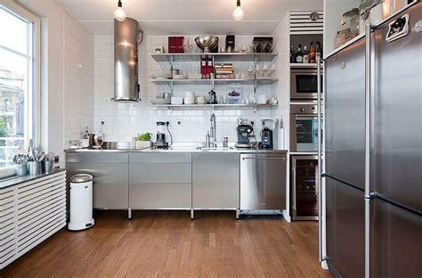 Apartment With Garage Ta カッコ良いキッチン とダイニングとテラス 住宅デザイン