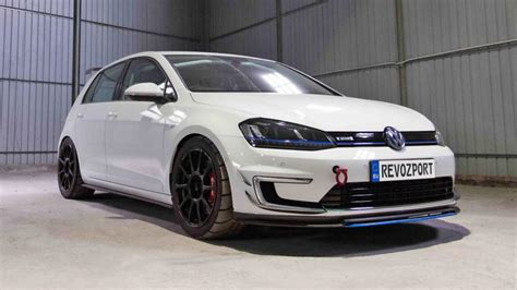 golf volkswagen meet the electric vw golf racecar top gear