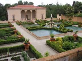 Tuscan Inspired Backyards Decorating Diva Tips Creating A Backyard Italian Villa