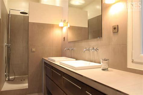 tight bathroom  mires paris