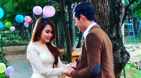 film indonesia dengan adegan hot terbanyak grogi lakukan adegan romantis di aadeci ayu ting ting