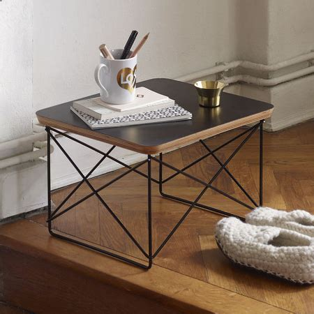 nachttisch vitra eames occasional table