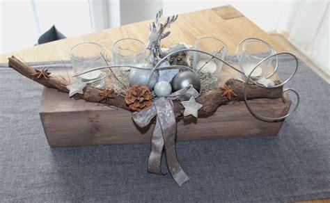kerzenhalter dekorieren aw08 u2013 adventsgesteck aus altem holz alter holzblock