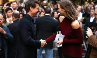 Tom Cruise Attacks Nyc Hollyscoop by Tom Cruise Shakes With Ksenija Lukich The Mummy