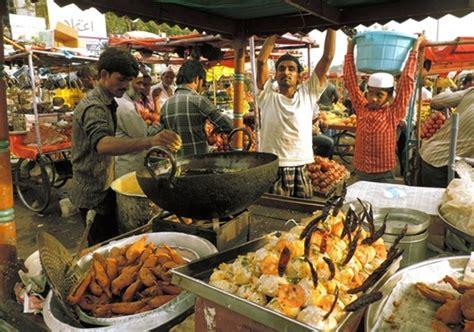 charminar biography in hindi life around charminar during ramzan in hyderabad