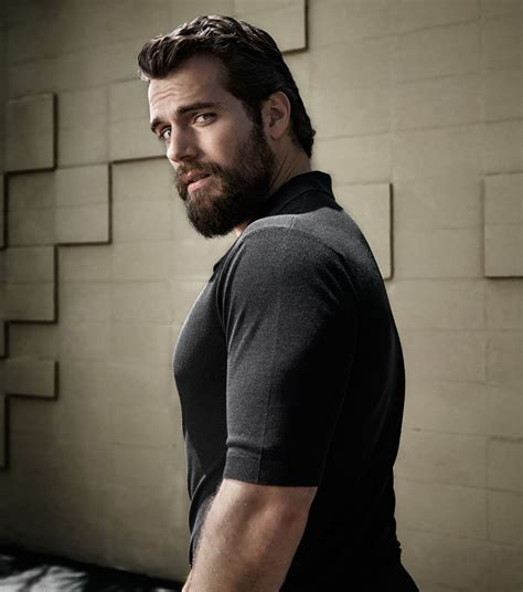 henry cavill superman beard henry cavill news first look henry standing tall in men