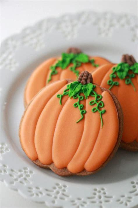 pumpkin cookies decorating how to decorate pumpkin cookies sweetopia