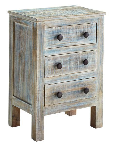 three drawer nightstand charlowe three drawer night stand from ashley b013 393