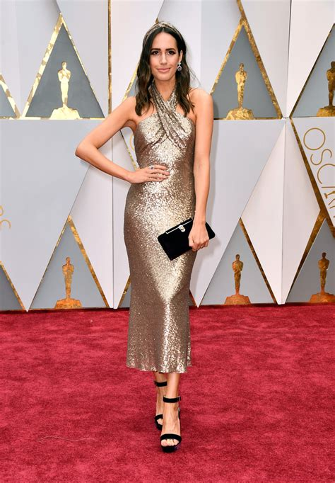 The Oscars Liveblog At Catwalk Shiny Shiny by Louise Roe In A Pronovias Midi Dress The Most Fabulous