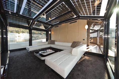 interno yacht luce come dettaglio e integrazione di sistema luce e design