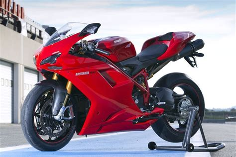 Ducati Schnellstes Motorrad by Ducati 1198sp 2010 2012 Review Mcn