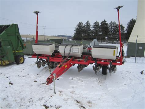 White Corn Planters by White 8106 6r Corn Planter No Til Coulter Row Cleaners