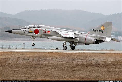 mitsubishi t 2 mitsubishi t 2 japan air aviation photo