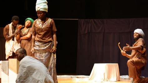 aisha testo e traduzione teatro in burkina faso griot boal e il mercante di