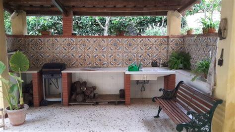 ladari di ceramica maioliche antiche in veranda quale pavimentazione scegliere