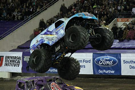 orlando monster truck show orlando florida monster jam january 25 2014 hooked