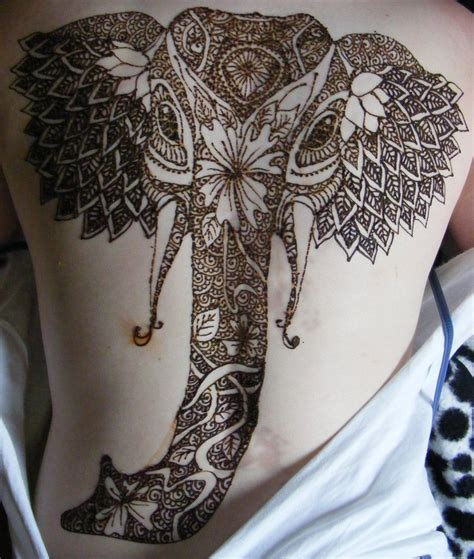 henna head tattoo henna elephant on back