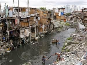 a walk through the slums of manila world news