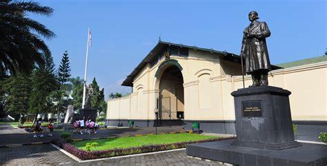 Pembela Tanah Air Peta Di Cileunca Bandung rekomendasi wisata di bogor paket wisata jogja