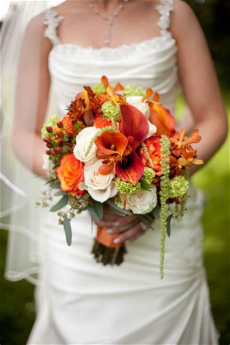 Save on Wedding Flowers {Week 2 of 7: Weddings on a Budget