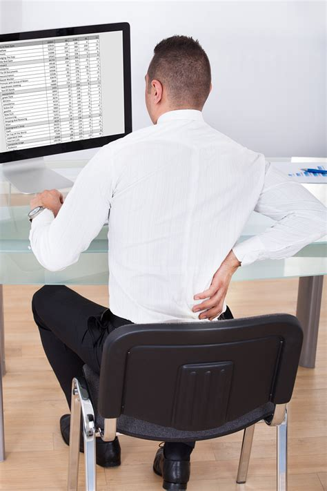 3 Ways To Avoid Back When Sitting At Your Desk