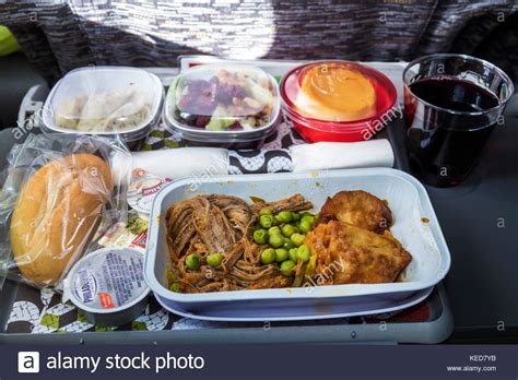 esszimmer attendant airline food aircraft stockfotos airline food aircraft