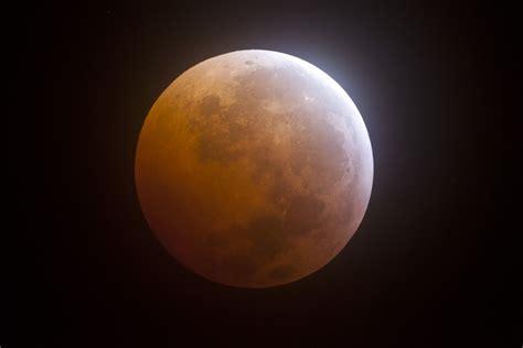 Lunar L by Lunar Eclipse