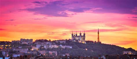coucher de soleil file coucher de soleil sur la basilique notre dame de