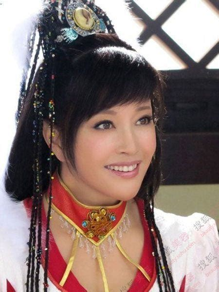 who is the youngest 60 yr old person 揭 quot 四婚 quot 刘晓庆婚史情史 曝美魔女海量扮嫩照 图 14 传媒 人民网