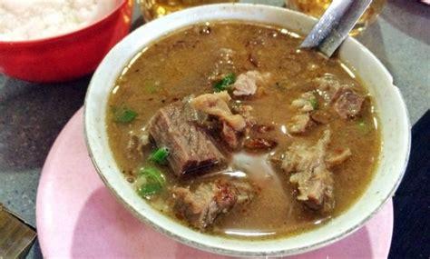 makanan khas sulawesi selatan masakan kapurung coto