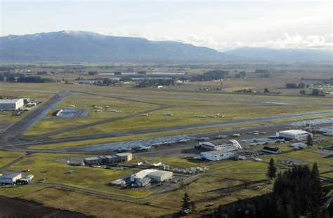 victoria bound passengers left at abbotsford airport bc