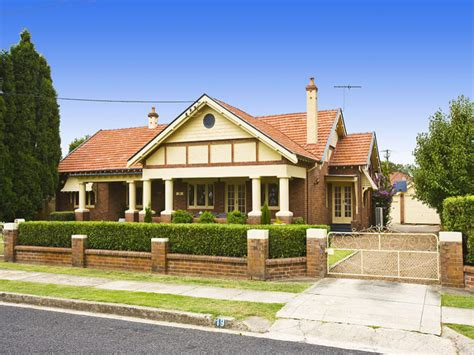 brick house designs australia photo of a brick house exterior from real australian home house facade photo 207782